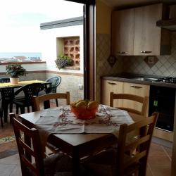 Casa Vacanze Glicine Con Terrazzo Vista Mare